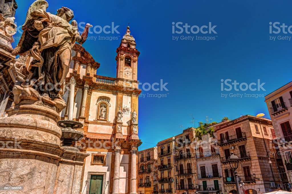 The obelisk-like Colonna dell Immacolata in the square San Domenico in Palermo, Sicily, Italy stock photo