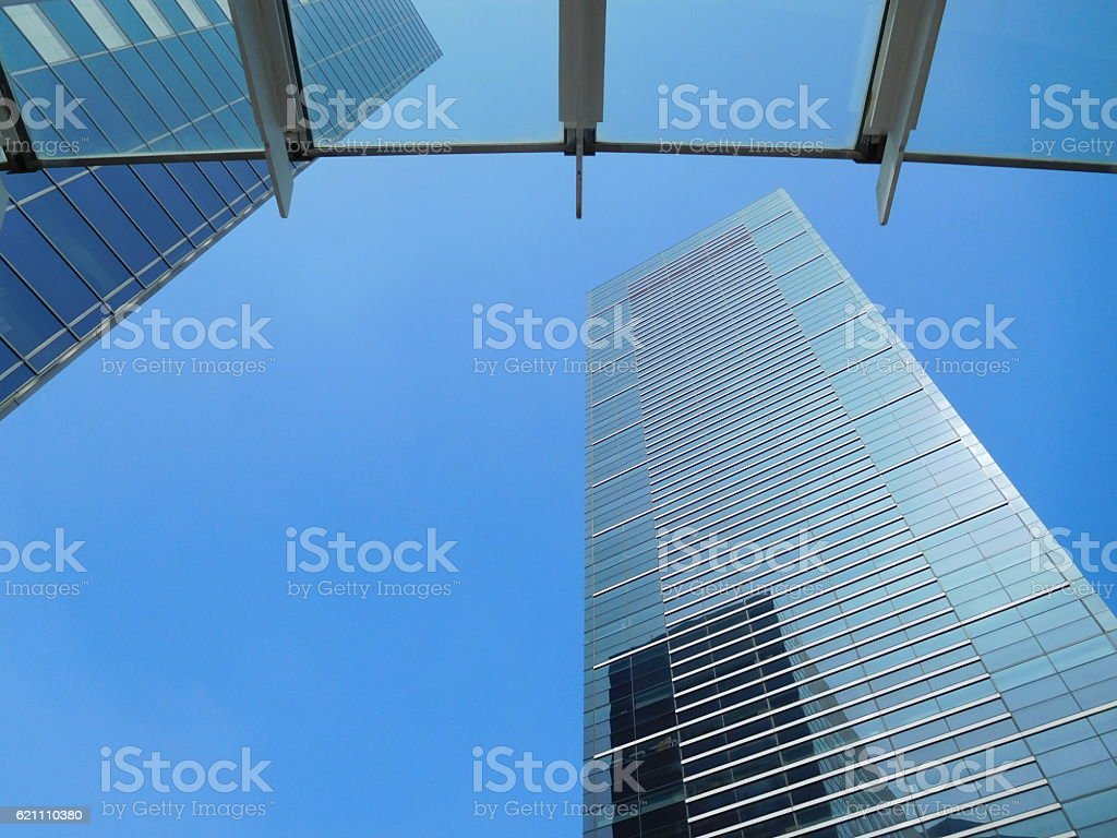 The office buildings under the blue sky through glassed roof – Foto