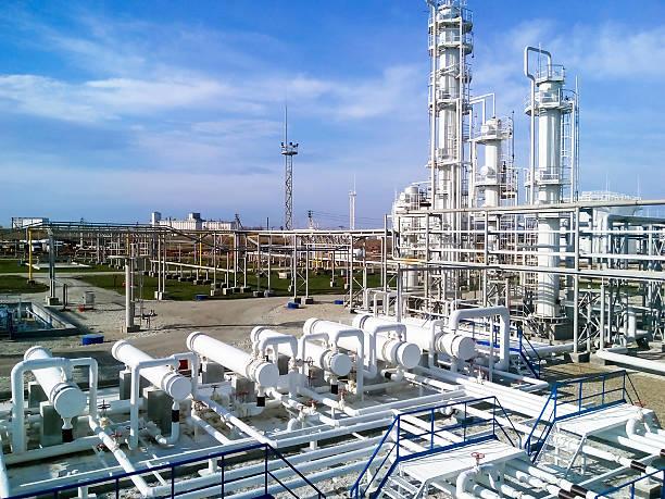 das öl-raffinerie - polypropylen stock-fotos und bilder