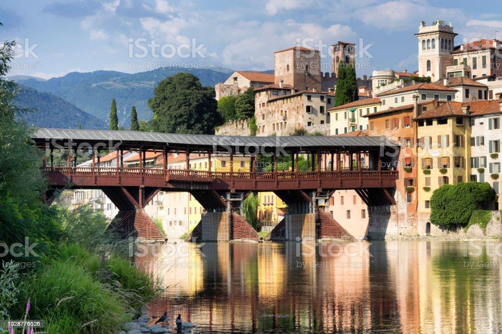 Die alte Brücke in Bassano del Grappa, auch genannt Ponte Degli Alpini, Italien. – Foto