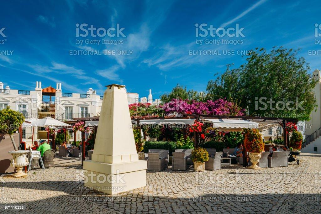 O Old Village, Algarve, Portugal é uma coleção de 280 Propriedades construído em arquitetura de Português e inglês do século XVIII situada no centro de Pinhal Golf Course, em Vilamoura, Algarve - foto de acervo