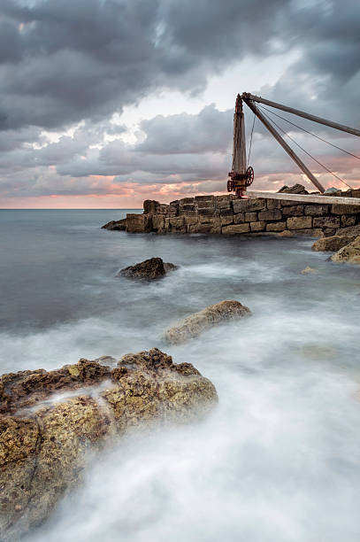 the old winch at portland - pulpit rock dorset stock photos and pictures