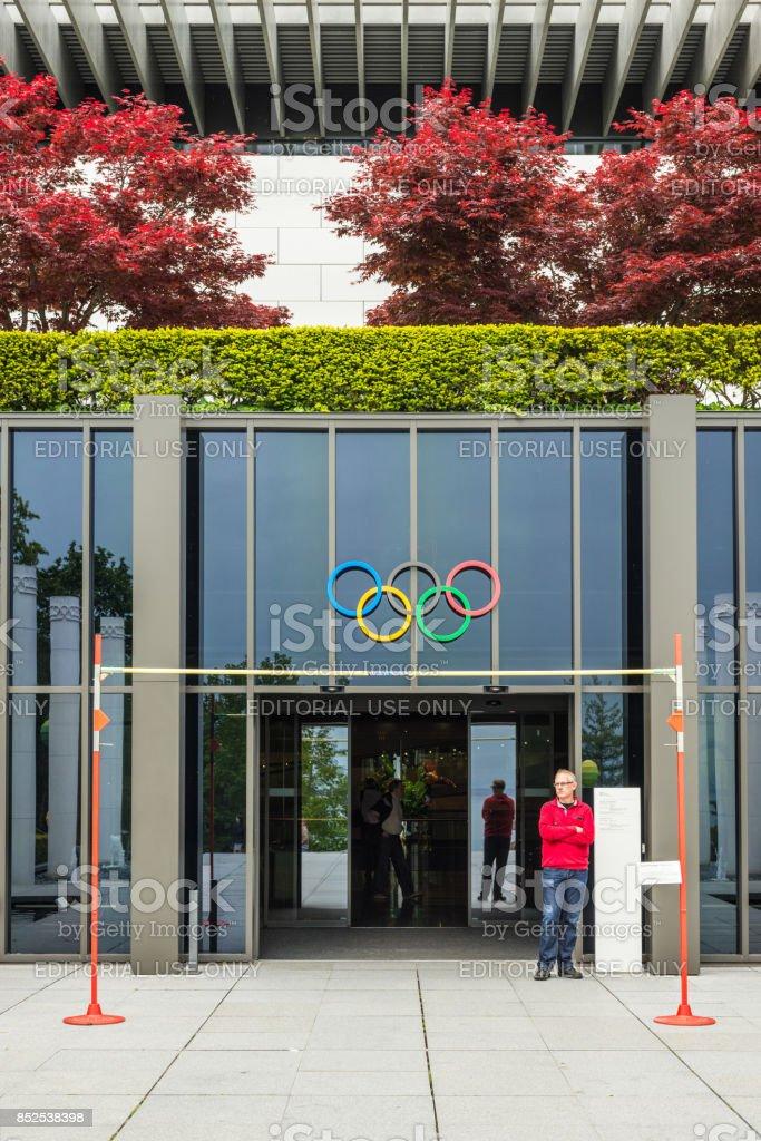 Det olympiska museet i Lausanne entré i det olympiska museet i Lausanne, Schweiz bildbanksfoto