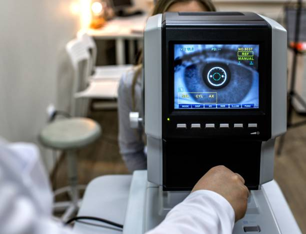 the optical instruments for examines the sight - optometrist stock pictures, royalty-free photos & images