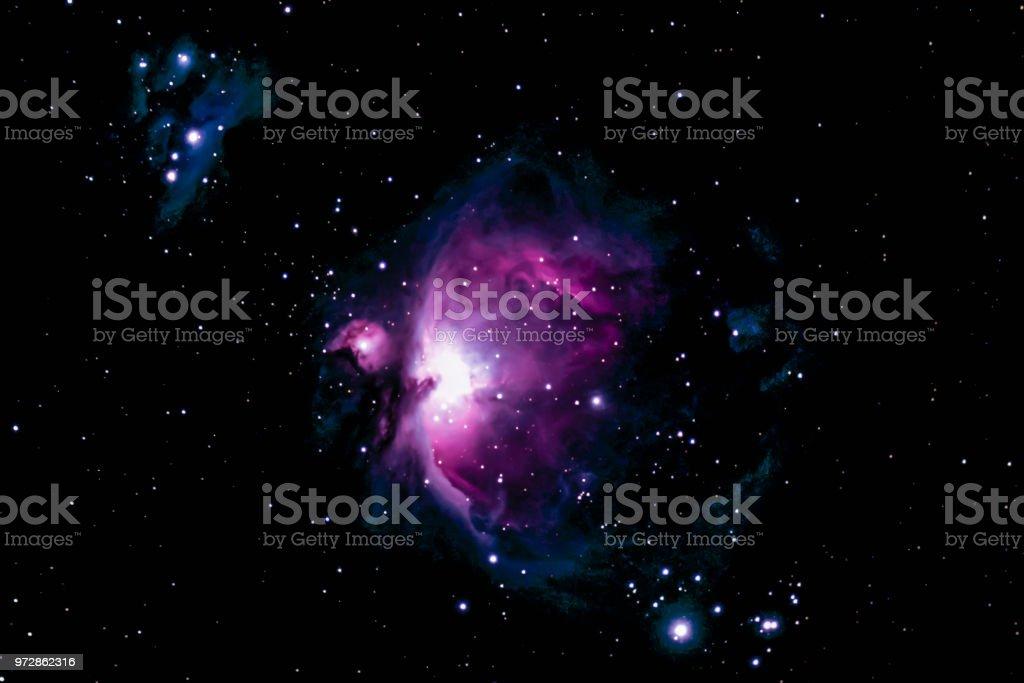M42, Orion-Nebel ist der mittlere Stern im Orion