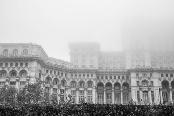 the palace of the parliament is the seat of the parliament of romania, bucharest - colosseo 1900 foto e immagini stock