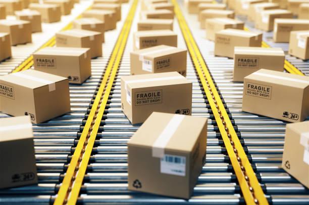 the parcel is on the conveyor belt,concept of automatic logistics management.3d rendering. - linia produkcyjna zdjęcia i obrazy z banku zdjęć
