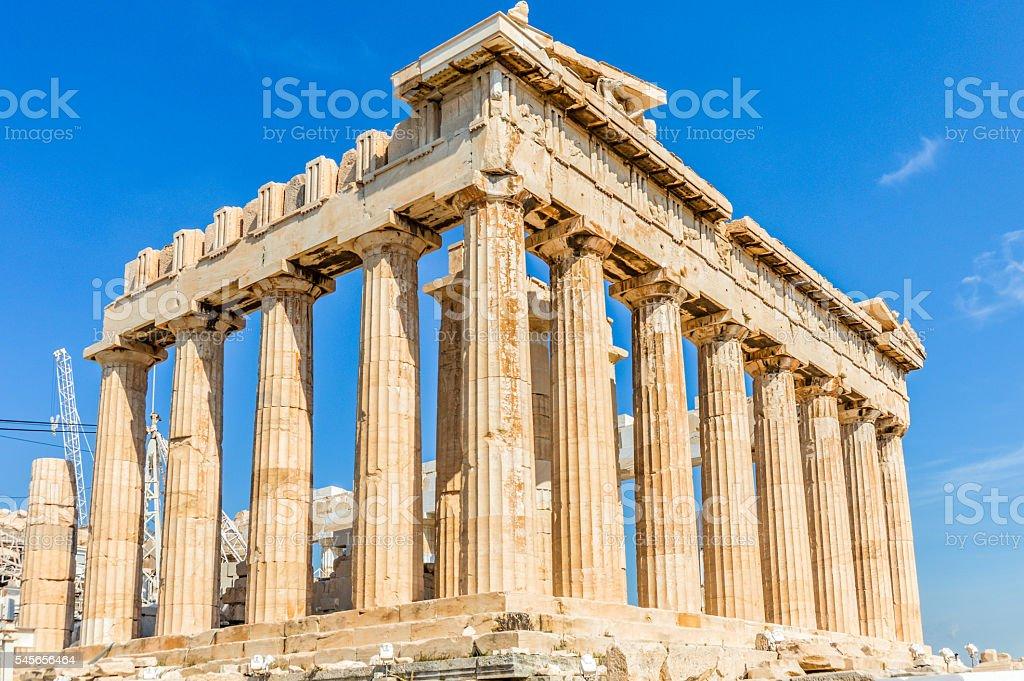 パルテノンはアクロポリスアテネ...