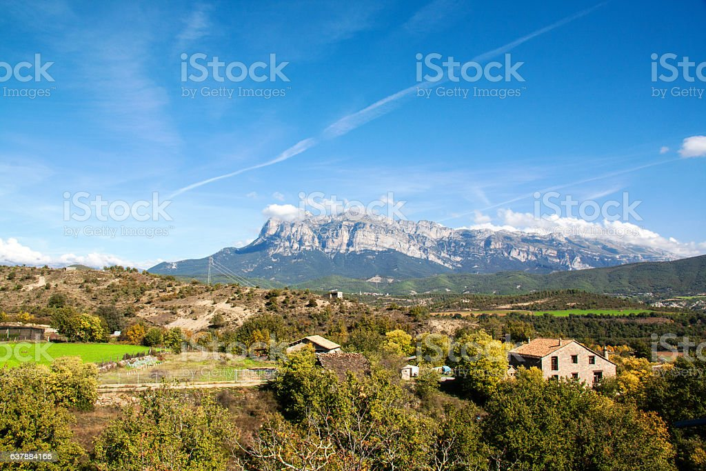 Le Peña Montañesa vu d'Ainsa, Aragon, Espagne, Europe stock photo