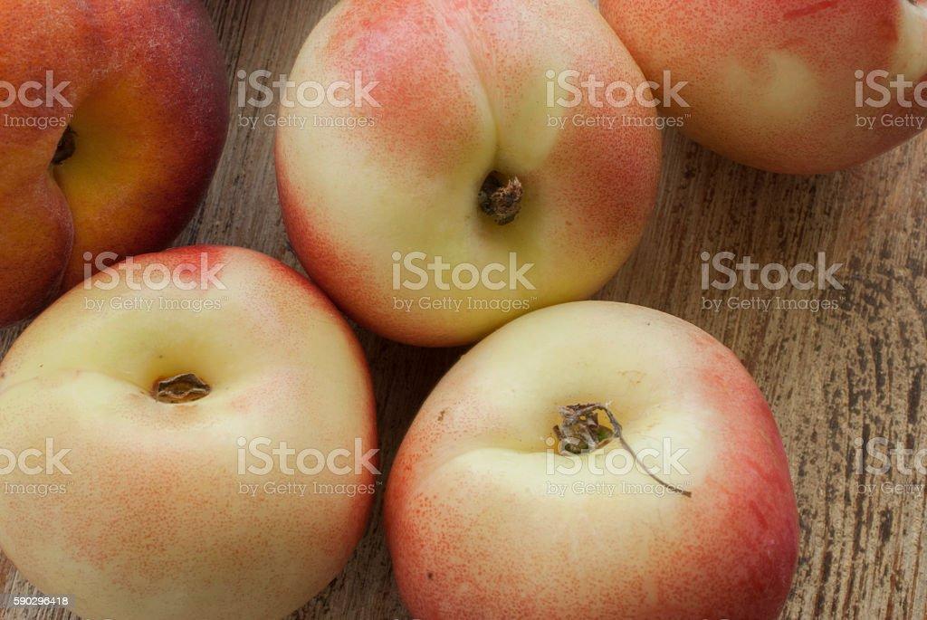 The peaches on the Board royaltyfri bildbanksbilder