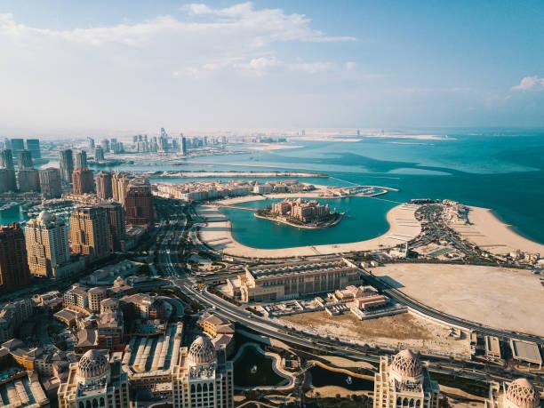 la perle de doha en vue aérienne qatar - qatar photos et images de collection