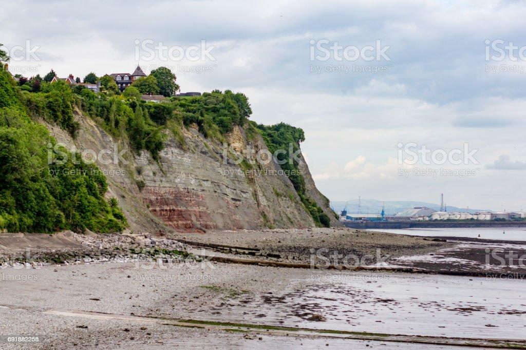La playa del guijarro en Penarth, pareciendo del este. - foto de stock