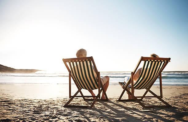 der perfekte tag - sun chair stock-fotos und bilder