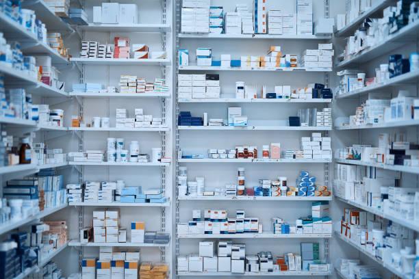 la pharmacie pour tous vos besoins de bien-être - photos de pharmacie photos et images de collection