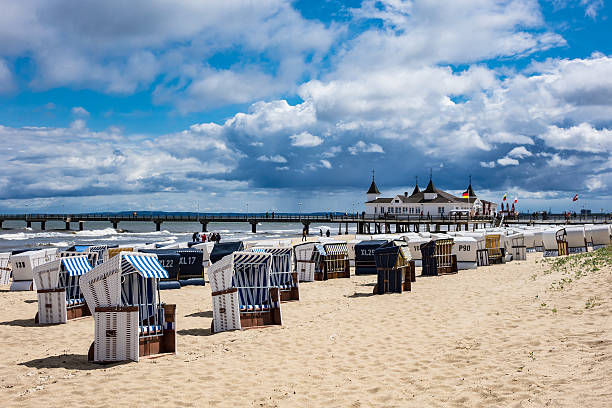 the pier in ahlbeck on the island usedom - usedom stock-fotos und bilder
