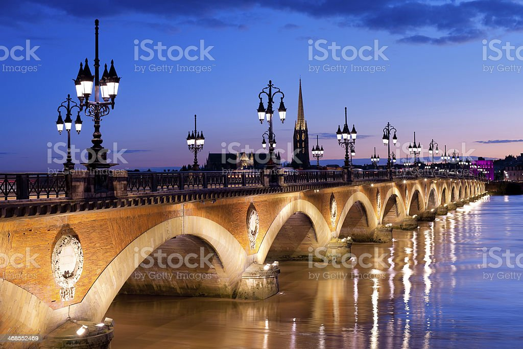 Der Pont de pierre in Bordeaux – Foto