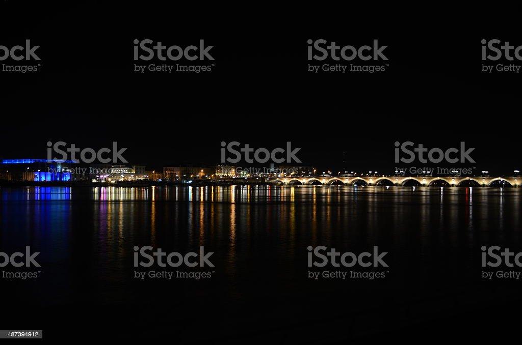 Le Pont de pierre à Bordeaux - Photo