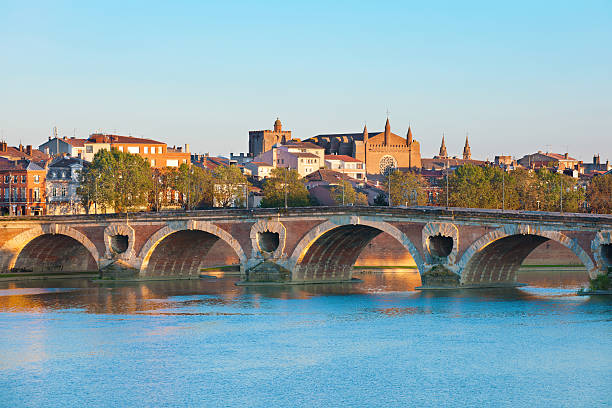 Die Pont Neuf, Toulouse im Sommer – Foto