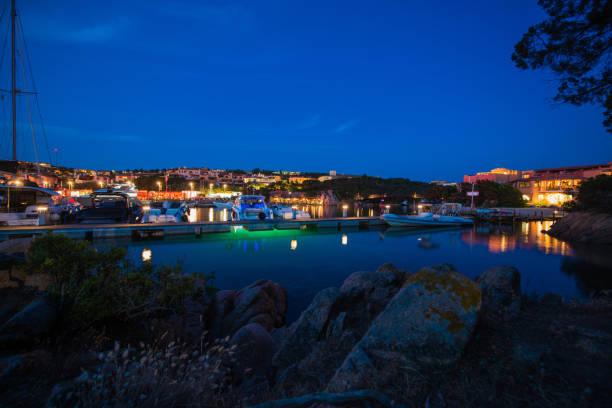der hafen von porto cervo - patrick hutter stock-fotos und bilder