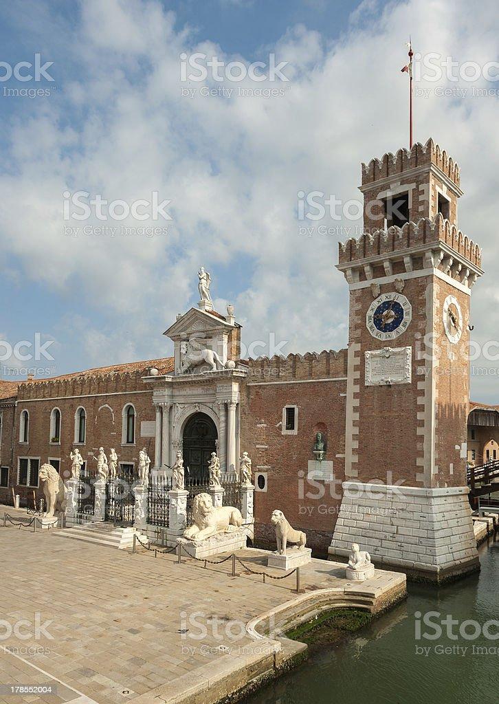 A Porta Magna no Arsenal de Veneza, Veneza, Itália - foto de acervo