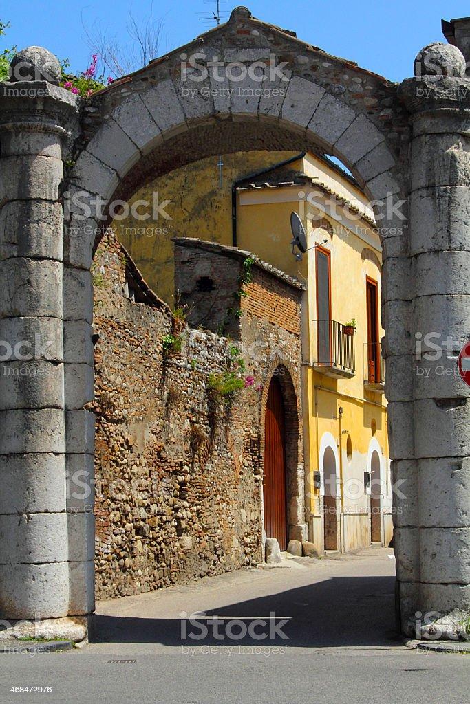 La porta'Arsa in Benevento, Campania, Italia. - foto stock