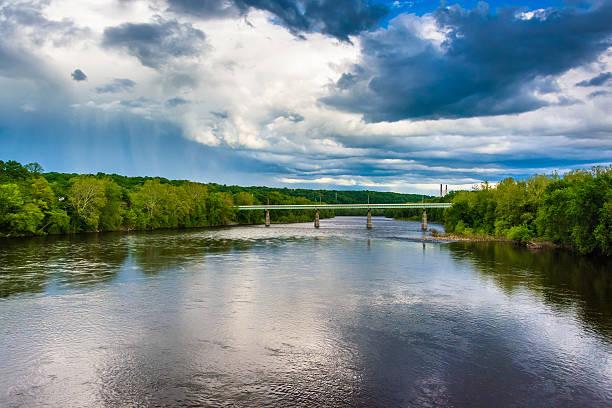 le portland-columbia pont de la rivière delaware, portlan - rivière delaware photos et images de collection