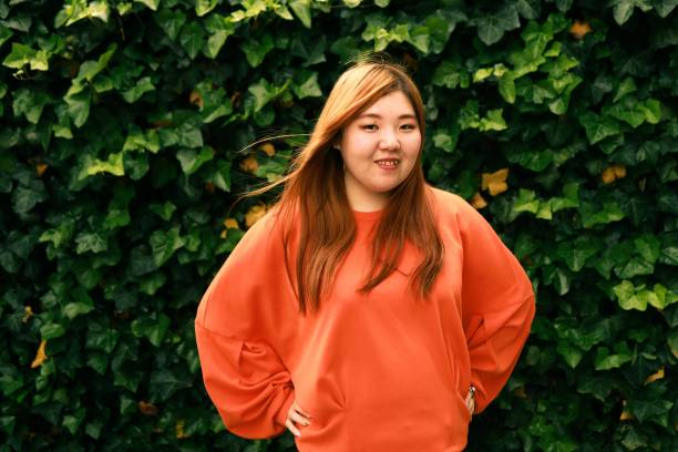 アジア女性の肖像映像 - real bodies ストックフォトと画像