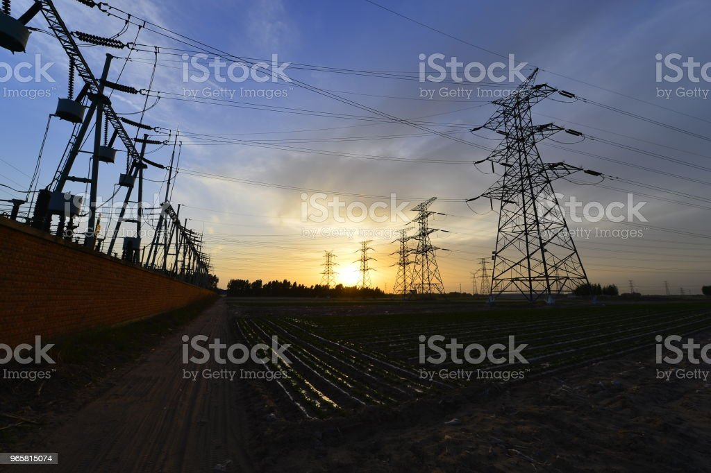 The power supply facilities of contour in the evening - Royalty-free Cable Stock Photo