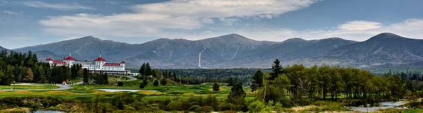 The Presidentials Nothing more magnificent than the Presidential Mountain Range in the background.  An iconic image of New Hampshire landmarks. mount washington new hampshire stock pictures, royalty-free photos & images