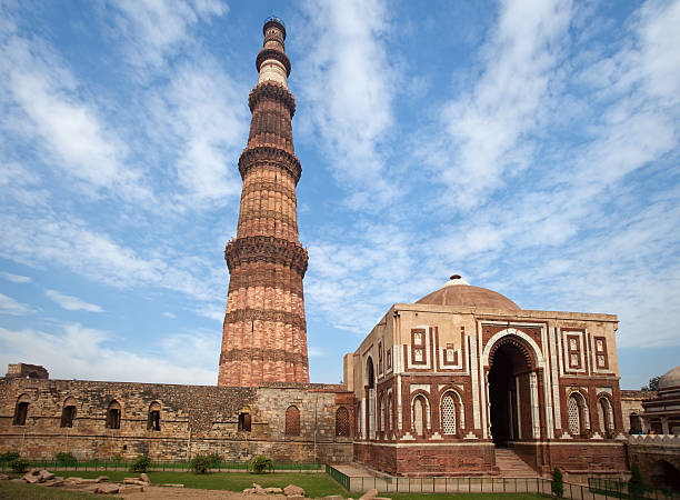 The Qutb Minar Historic Mosque In Delhi, India minaret stock pictures, royalty-free photos & images