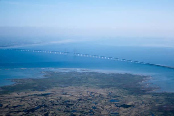den öresund eller öresundsbron - öresundsregionen bildbanksfoton och bilder