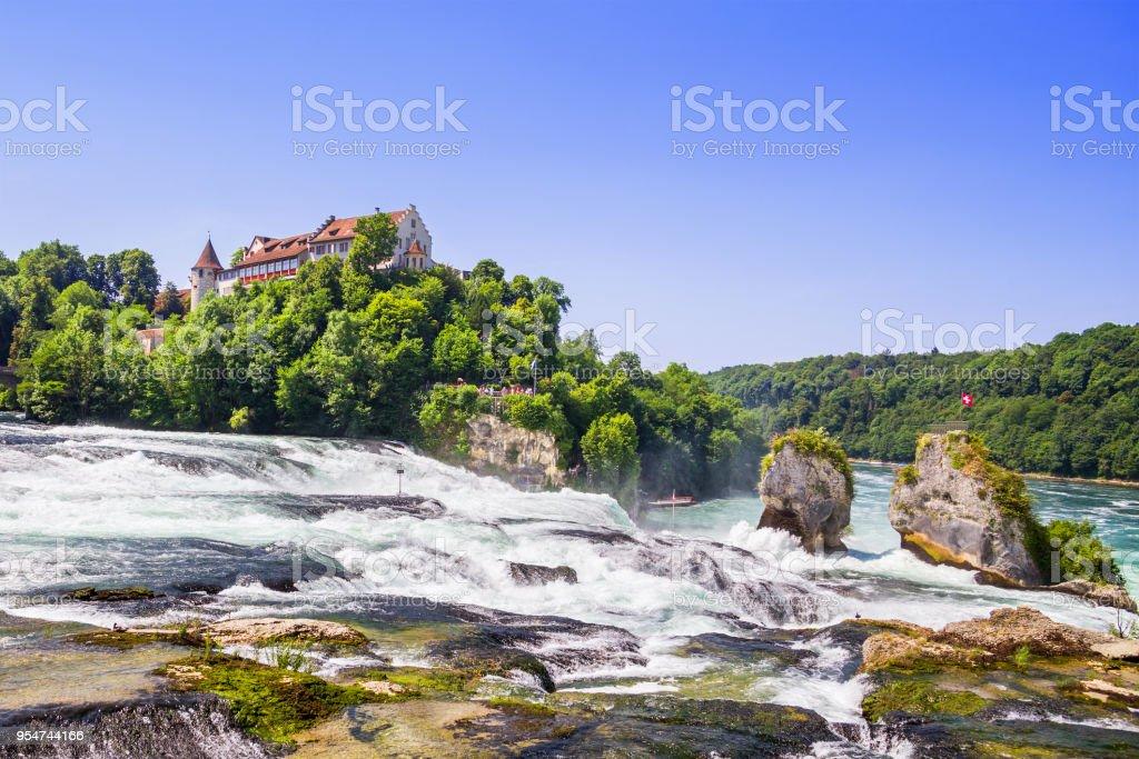 De Watervallen Van Schaffhausen.De Rheinfall De Waterval Van Schaffhausen Switzerland