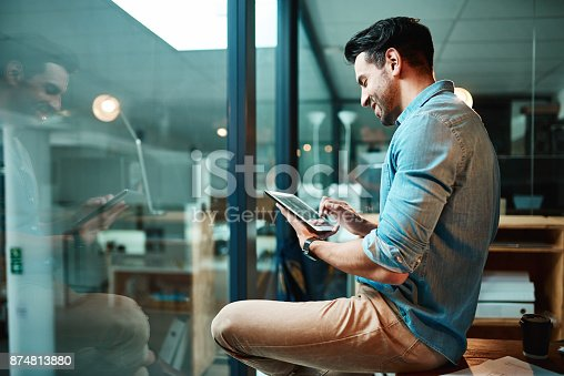 874813790 istock photo The right apps can make business a breeze 874813880