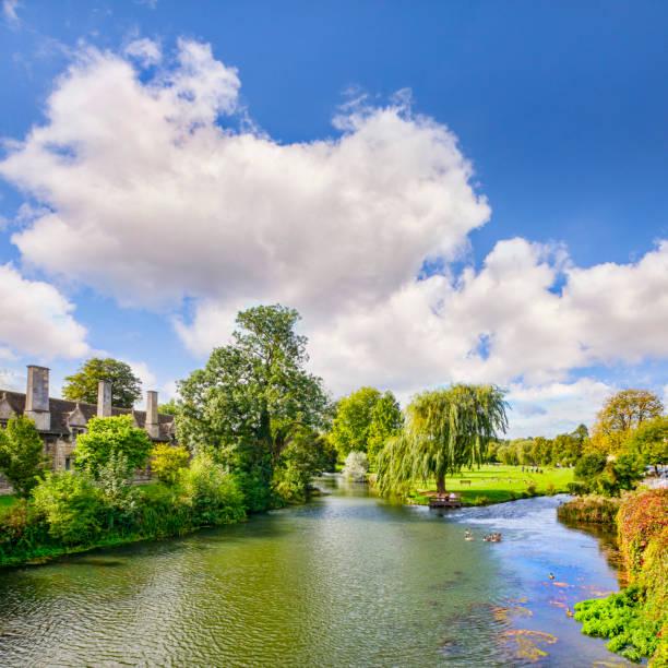 韋蘭河, 以及英格蘭林肯郡斯坦福德的城鎮草地。 - 林肯郡 個照片及圖片檔