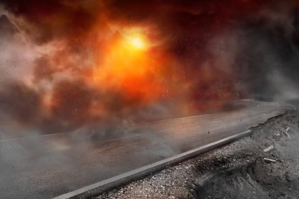 Die Straße wurde durch den Krieg zerstört und durch Staub und Rauch beschädigt. – Foto