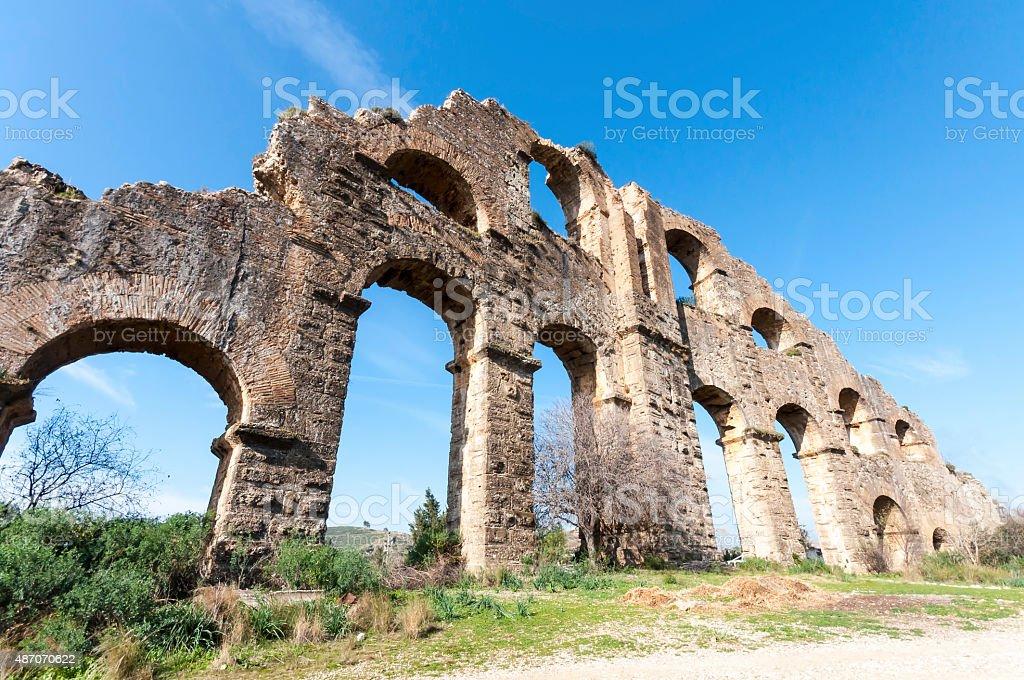 the Roman aqueduct of Aspendos, Antalya stok fotoğrafı