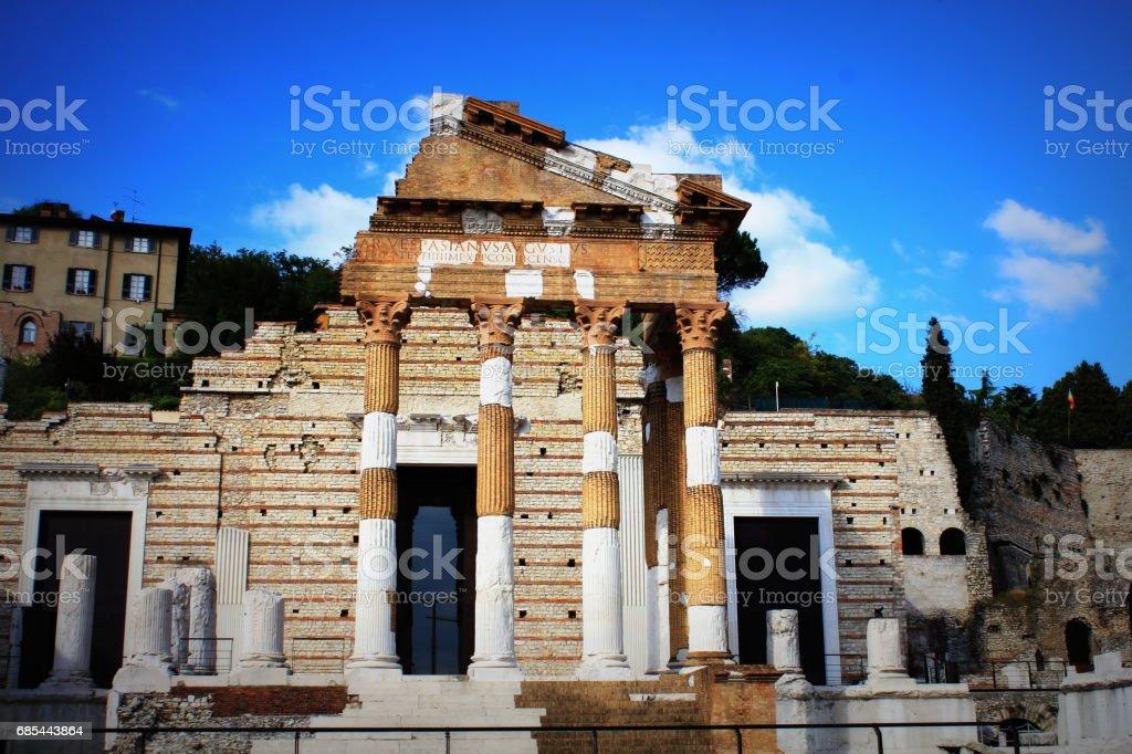 The roman ruins of Capitolium in Brescia, Italy - foto stock