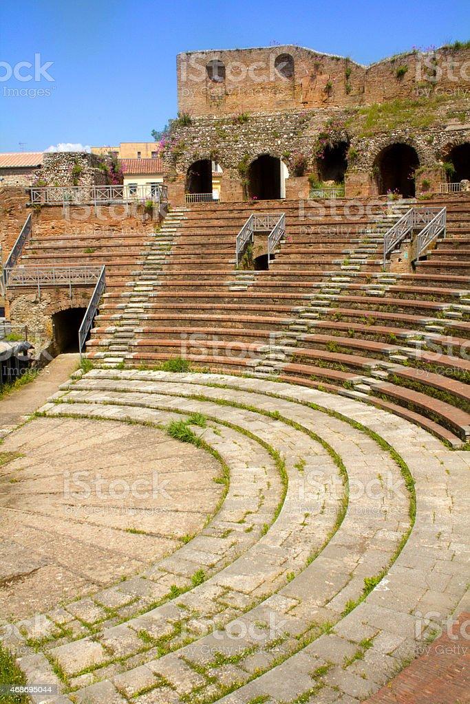 Il Teatro romano in Benevento, Campania, Italia. - foto stock