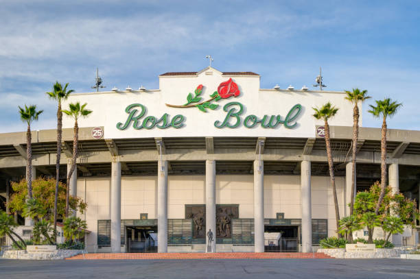 The Rose Bowl Stadium Exterior and Logo PASADENA, CA/USA - JANUARY 7, 2018: Rose Bowl stadium and logo. The Rose Bowl is a United States outdoor athletic stadium. ucla stock pictures, royalty-free photos & images