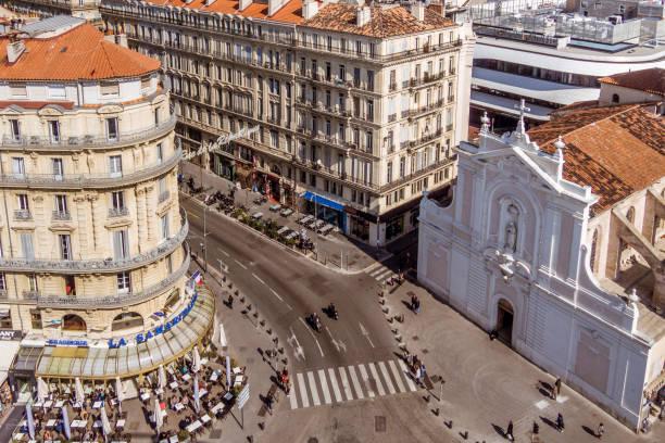 la rue de la république à marseille - république photos et images de collection