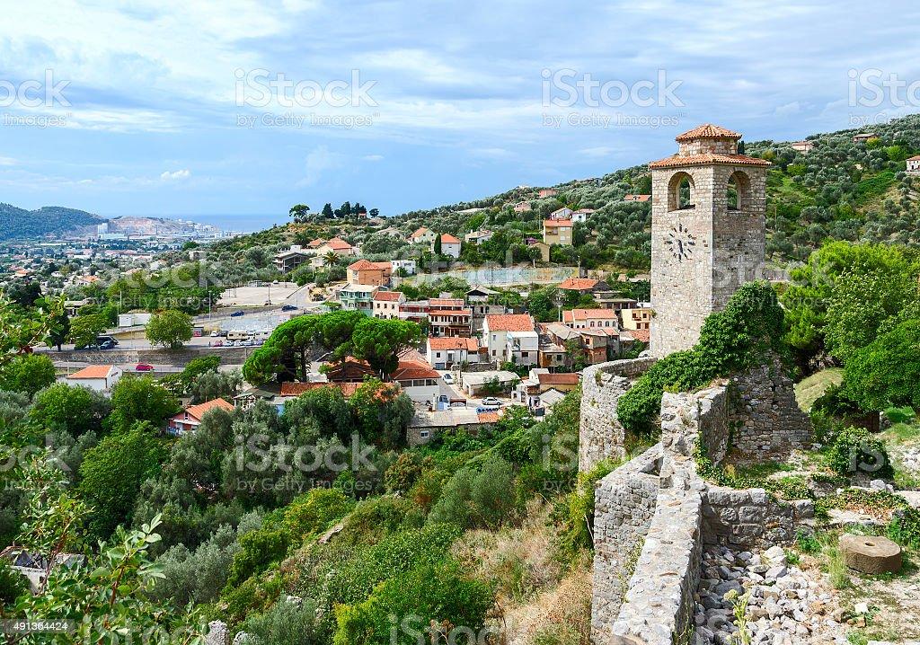 Las ruinas de la torre del reloj, Bar, Montenegro antigua - foto de stock