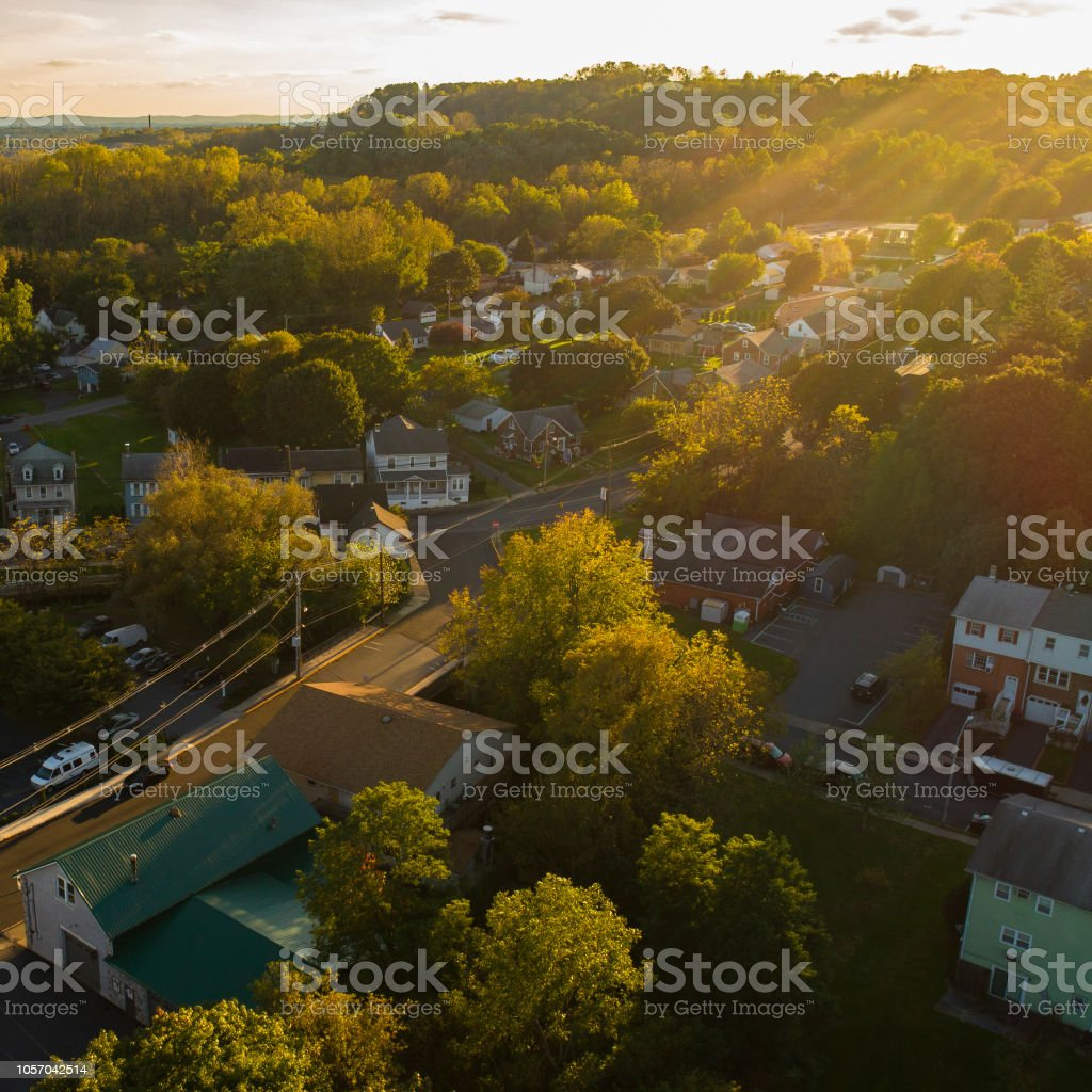 The scenic view of the small Pennsylvanian town Bath at sunset. – zdjęcie