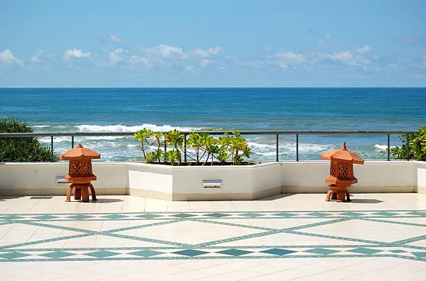 Der Terrasse mit Meerblick im Luxushotel, das Bentota, Sri Lanka – Foto