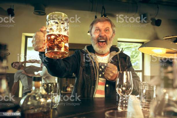 The senior bearded male drinking beer in pub picture id1022739098?b=1&k=6&m=1022739098&s=612x612&h=evcijpvzrpxmjfyaurlbd l4ftacwwt4xwrrhjp98qs=