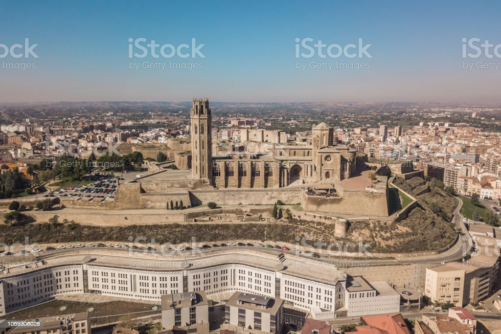 The Seu Vella cathedral in Lleida - Стоковые фото Архитектура роялти-фри