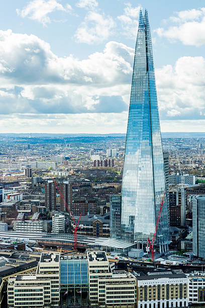 the shard - shard london bridge stockfoto's en -beelden