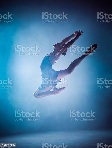 The silhouette of young ballet dancer jumping on a blue picture id498747542?b=1&k=6&m=498747542&s=612x612&h=r212fpkxubtflzt6s0eefb39azn8ifcfvezbhcvj370=