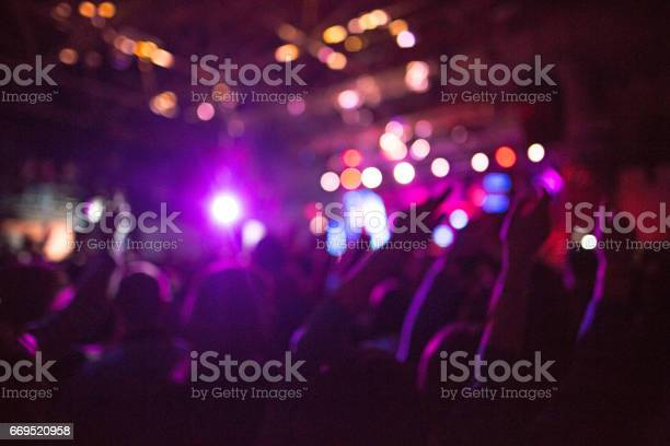 The silhouettes of concert crowd in front of bright stage lights picture id669520958?b=1&k=6&m=669520958&s=612x612&h=uzxvulhsw4asfi5cziqttizyqomehawza bf4s5ushc=