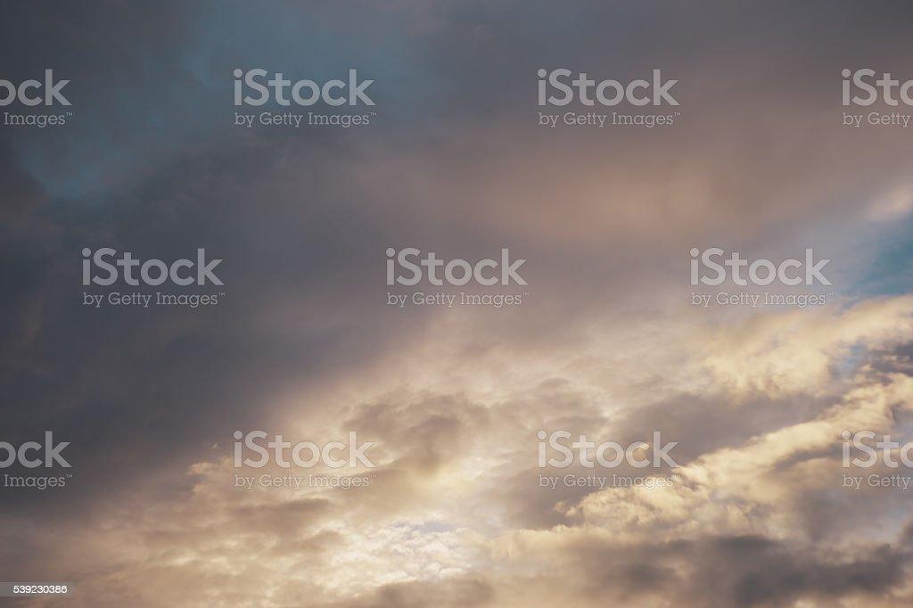 El cielo antes de la storm.v foto de stock libre de derechos