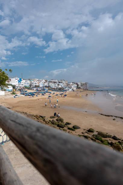 Taghazout、モロッコの小さな砂浜のビーチ ストックフォト